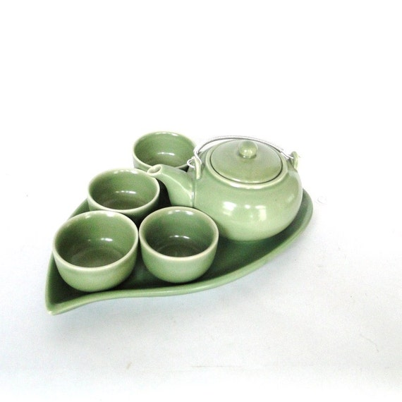 Vintage Tea Set Spring Green Leaf Tray Teapot Tea/Sake Set Serving Ware Jade Green Springtime Style Eclectic Home Hostess