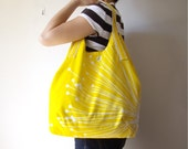 Large Cotton Museum Bag Beach Tote in Yellow with White Dandelion
