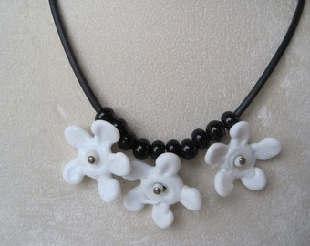 Lampworked Flower Bead Necklace in Black and White with Matching Earrings, Bead Necklace, Handmade Bead Necklace, Glass Jewelry, Art to Wear