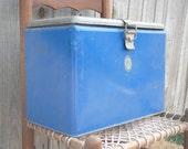 Vintage Metal Keapsil Blue Cooler