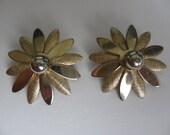 """1950s SARAH COVENTRY """"Daisy"""" Earrings"""
