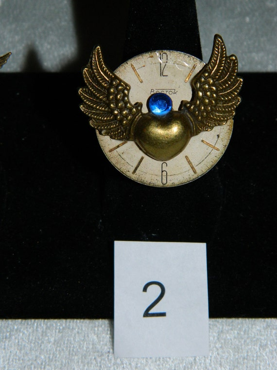 Watch Parts. Gothic STEAMPUNK JEWELRY Ring. ALTERED Art Jewelry.