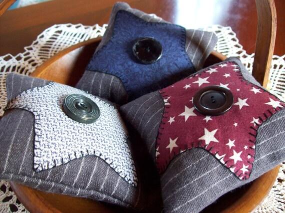 Rustic Stars Bowl Filler Pillow Tucks