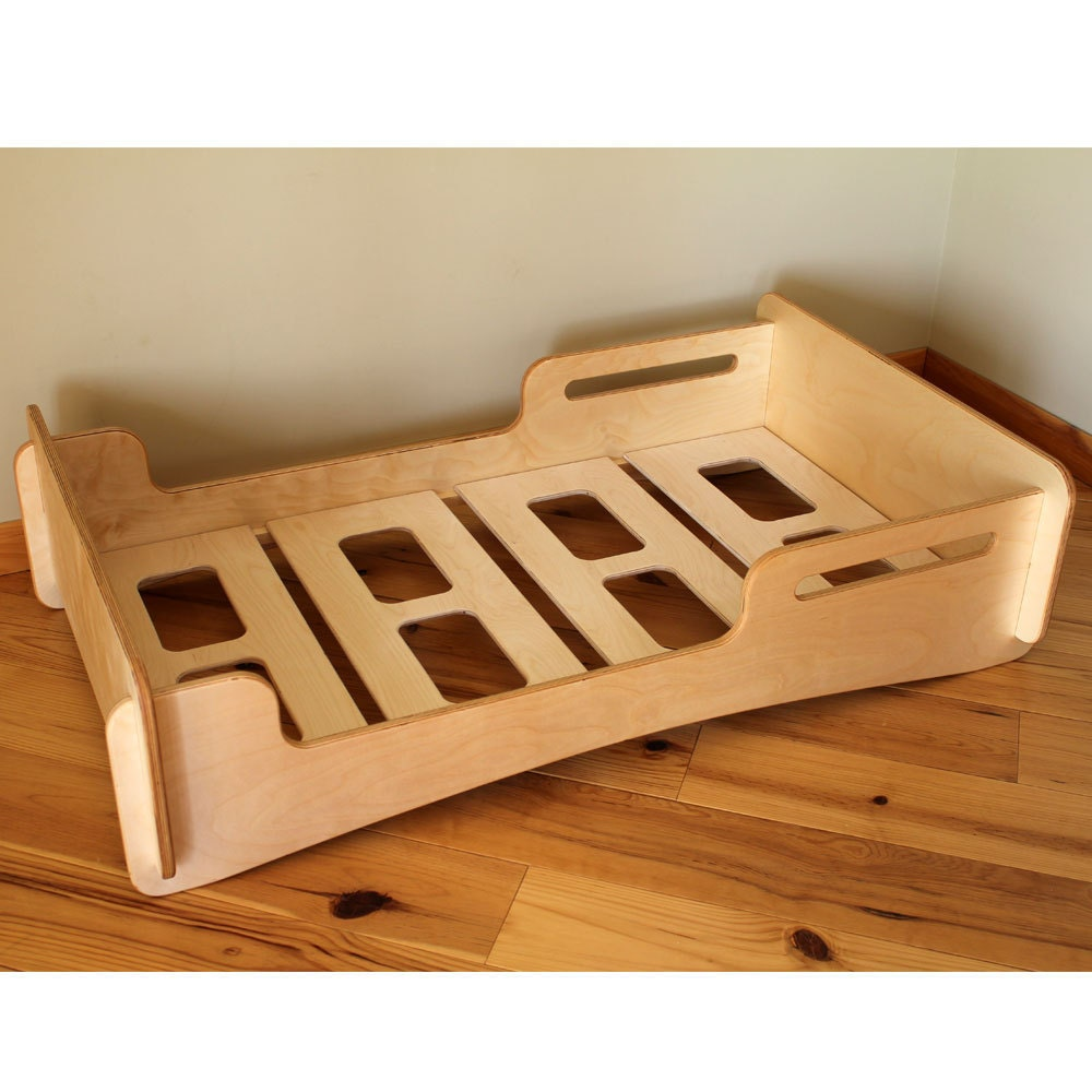 natural crib sized montessori style infants bed. Black Bedroom Furniture Sets. Home Design Ideas