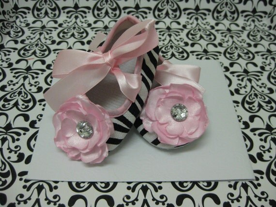 Baby girls zebra print baby shoes, pink and zebra print crib shoes, baby booties, baby girls ballet shoes, baby shoes size 6 to 9 months
