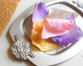 Soap Dish Ring Dish with Grapevine Design