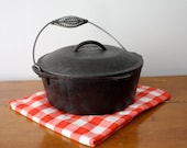 Vintage CAST IRON Dutch Oven