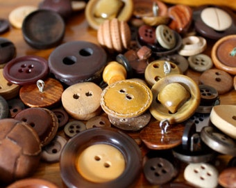 Wonderful LEATHER and WOOD Buttons