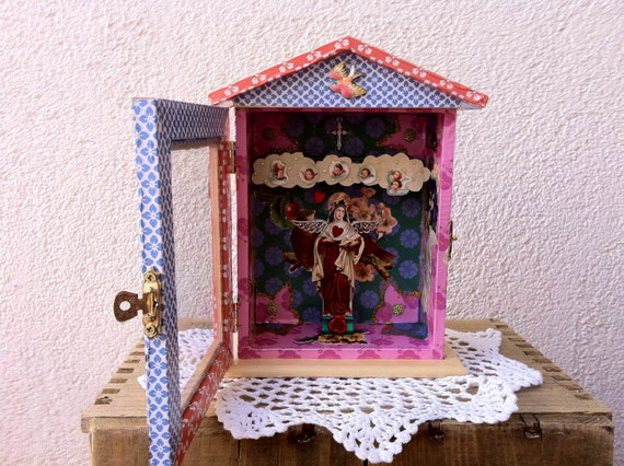 Shrine Shadow Box - Madonna surrounded by her children