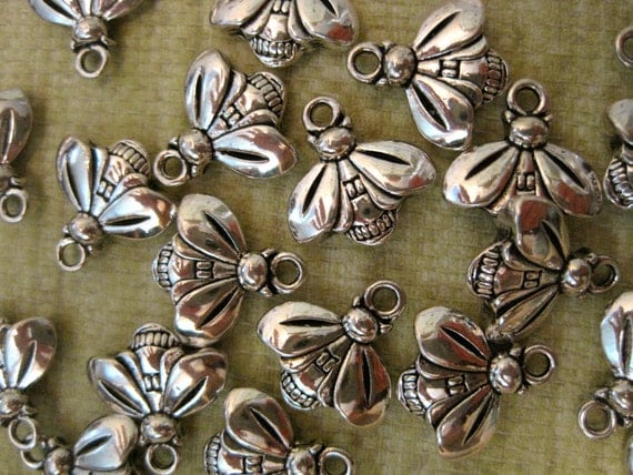 4 PEWTER BEE CHARMS