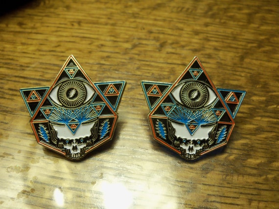 "2 pins - Special Edition - ""Eyes of The World"" - enamel pin/hat pin (2 pins)"