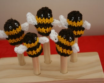 Five Busy Bees Finger Puppets. Rhyme. Teaching Resource.