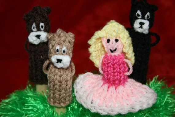 Goldilocks and the three bears finger puppet set.