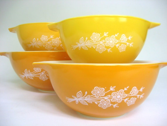 4 Pc Vintage Pyrex Butterfly Gold Mixing Bowl Set, Cinderella Bowls 444, 443, 442, 441 Sunny Yellow & Orange with Floral Wheat Bushel