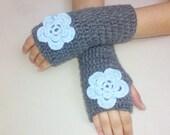 Grey Crochet gloves, Fingerless Gloves,  Crochet wrist cuffs, Grey  gloves, Ruffle gloves, Womens Grey gloves, Crochet wrist warmers