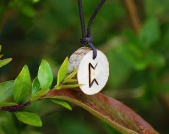 Birth Rune Pendant 'Perthro' 13th January to 28th January.
