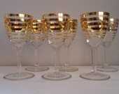 Set of six kitsch retro gold striped small aperitif glasses circa 1950's / 1960's