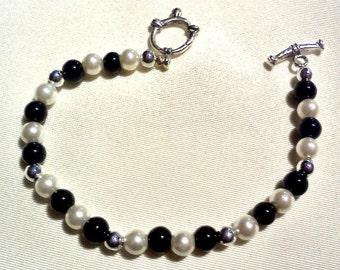 bracelet beaded black glass pearls silver