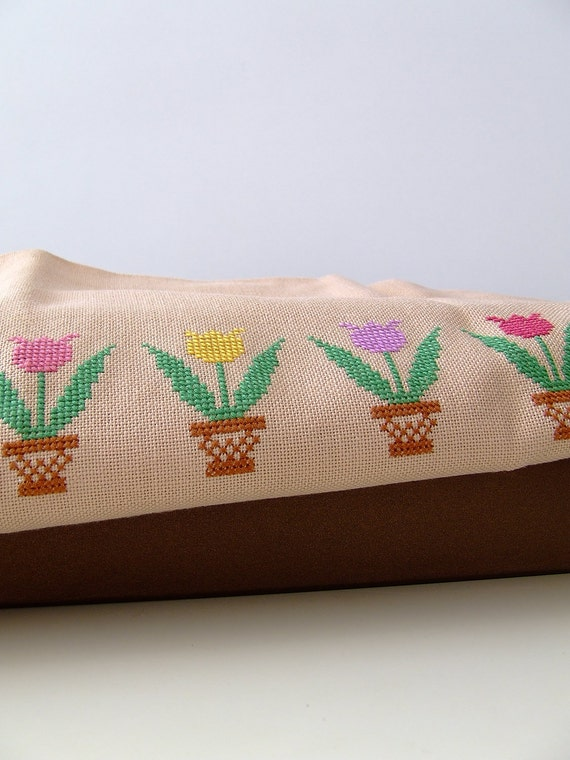 Scandinavian tablecloth - tulip pattern