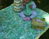 The Bao Bao Baby Patchwork & Flannel Brick Quilt in Mint