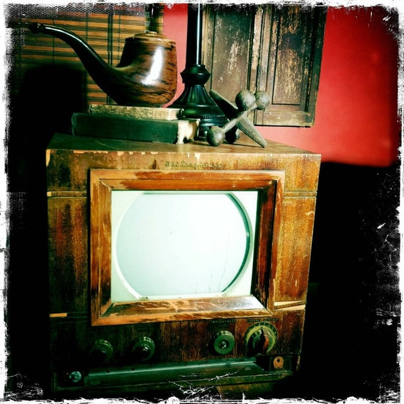Vintage 1940's Westinghouse Television