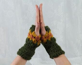 Finger less gloves, Green Crochet Gloves, Green Gloves, Green Mittens, Crocheted Gloves, Crocheted Mittens, Green Wrist Warmers