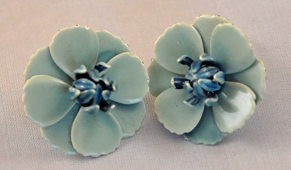 Vintage  Enamel Blue Flower Earrings MOD