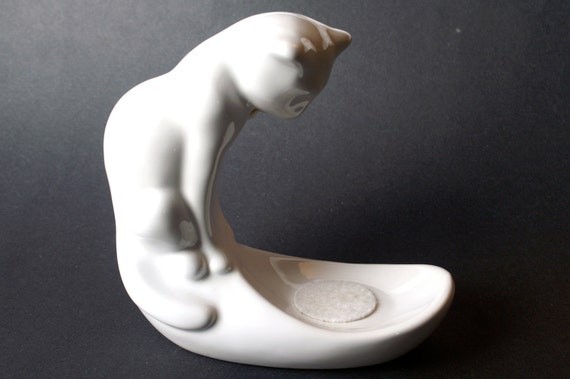 Cat - Very Cool Haeger Vintage White Ceramic Cat Statue with Bowl Holder
