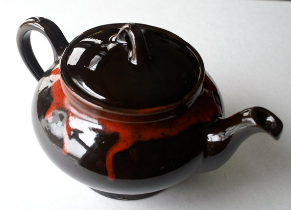 Vintage Ceramic Tea Pot Royal Canadian Art Pottery, Dark Brown and Red Dripless