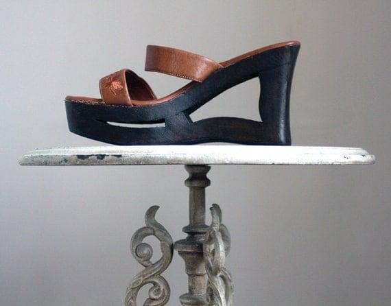 Cut out wood platform wedge shoes