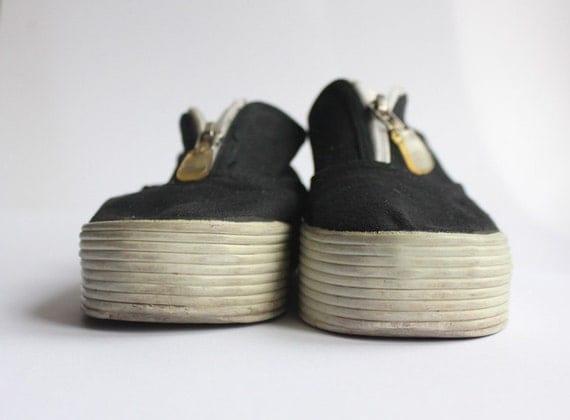 90s Platform sneakers size 6