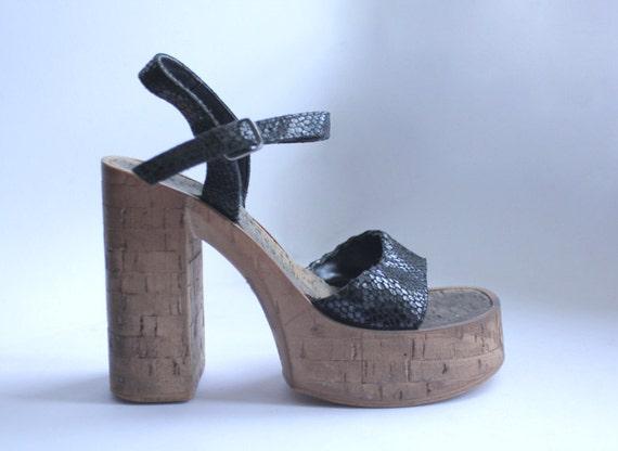 Cork platform chunky sandals size 6 tan black snakeskin