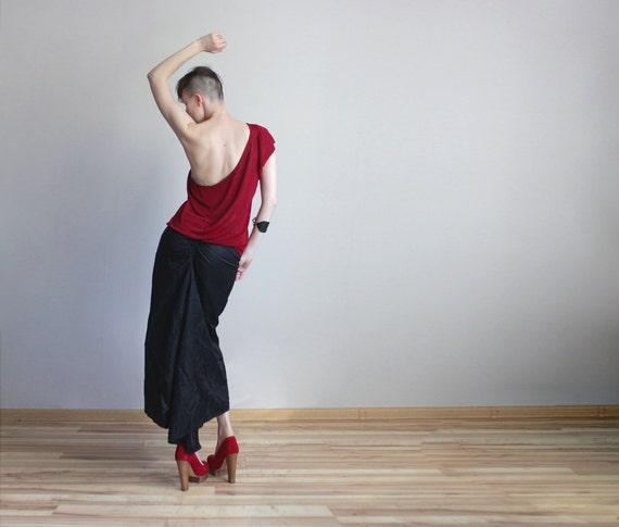 Long gothic high low dip hem maxi skirt in black