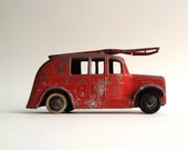 A vintage Dinky Stream Lined Fire Engine in red (of course), 1936/1937