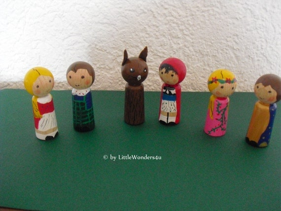 6 wood finger puppets play set Grimms fairy tales