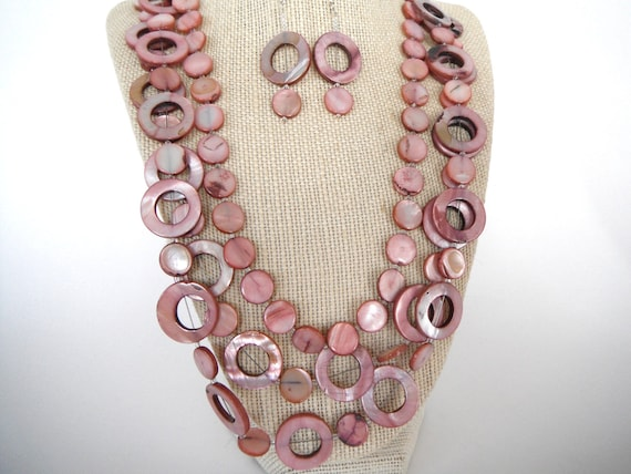 Pink Shell Rings and Discs Gift Triple Strand Necklace Silver Toggle Matching Earrings Fashion under 40