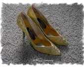 Vintage Gold Metallic Holiday Shoes Pumps, Wild Nights by Wild Pair - Size 9B - Never Worn