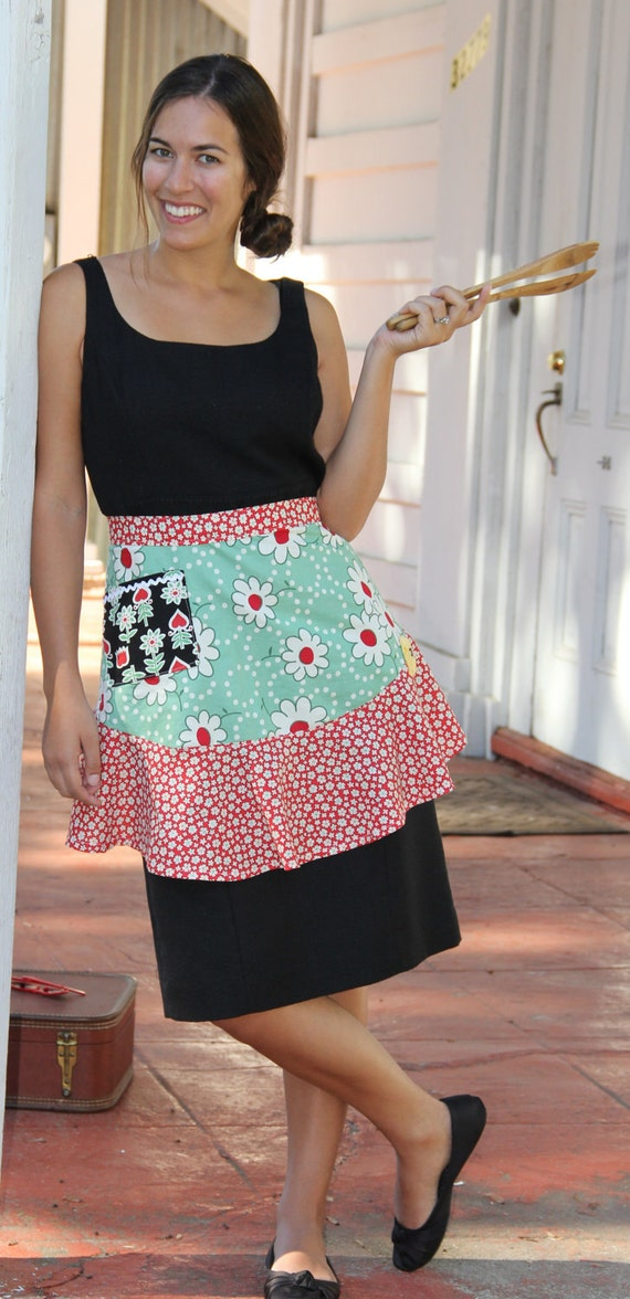 Sassy Flounce Retro Apron Pattern - full and half apron