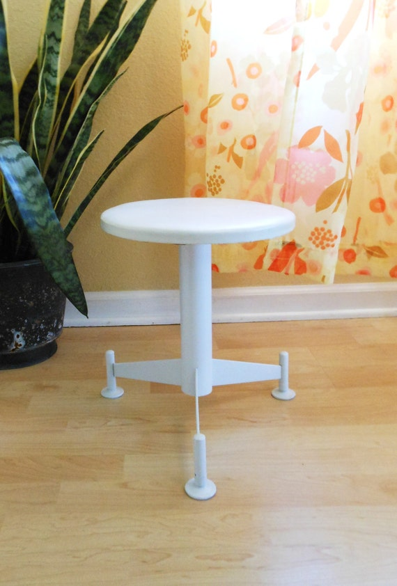 retro metal stool / atomic tripod metal leg stool