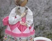 "Burlap Napkin Doll ""Traudl"""