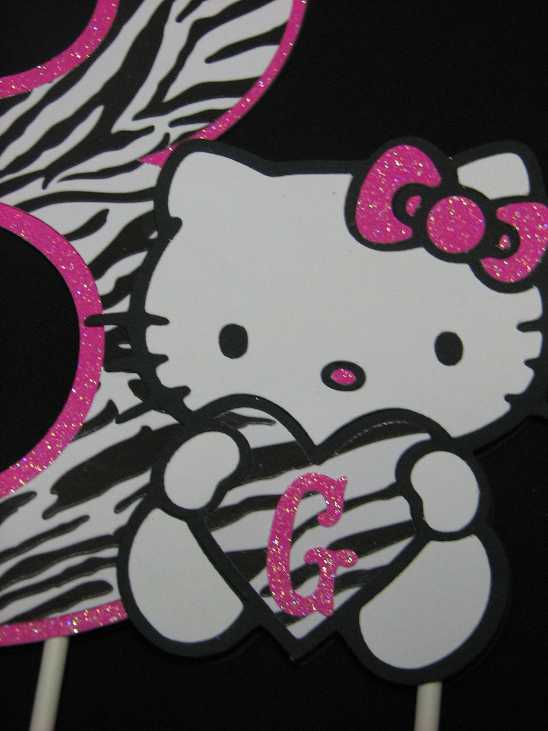 hello kitty zebra wallpaper