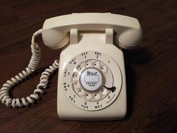 WORKING- Cream Rotary Phone 1970