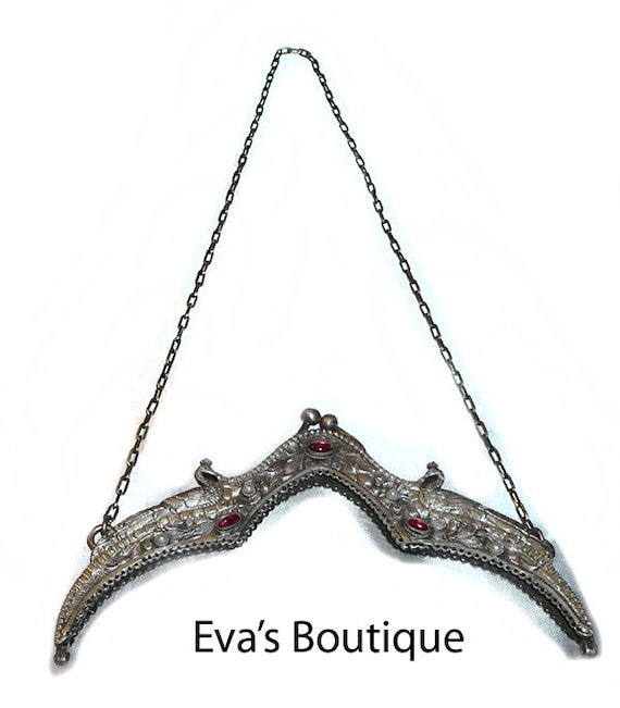 Beautiful antique silver purse frame with chain