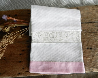 Pretty Pink and White Vintage Fingertip/Tea Towel