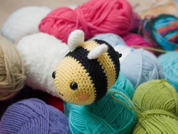 Amigurumi Bee Crochet Pattern : Amigurumi Bumblebee Crochet Pattern