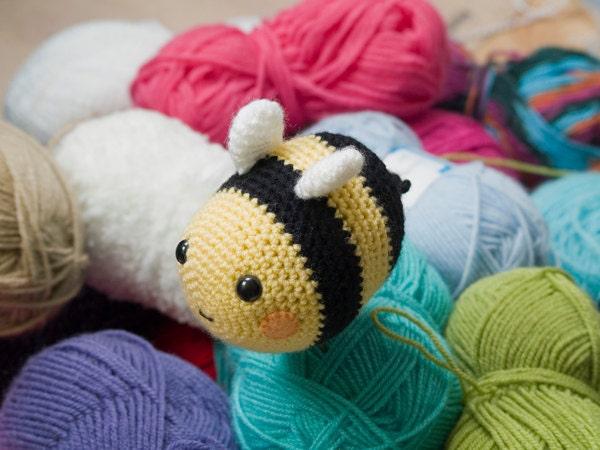 Amigurumi Bee : Amigurumi Bumblebee Crochet Pattern
