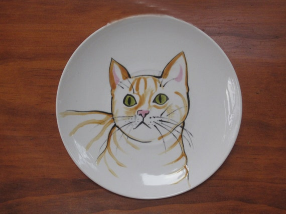 Cat dish, this personalized cat bowl is the perfect saucer for a cat, will paint to match your cat