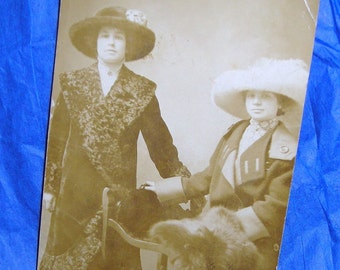 Vintage   Postcard Photo /  Women in Large hats and Furs