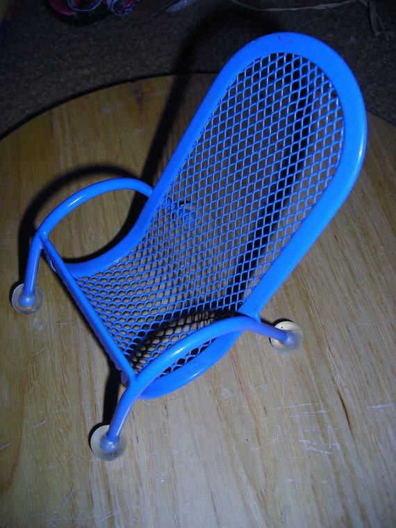 Dollhouse Patio Chair / Blue Metal Dollhouse Chair / Vintage Dollhouse Furniture