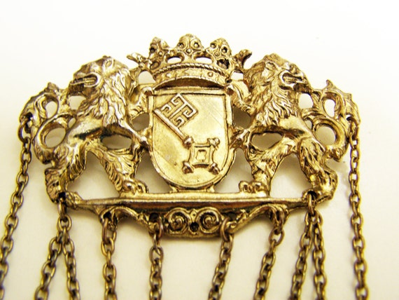 Vintage Crest Brooch with Chains and Pearls